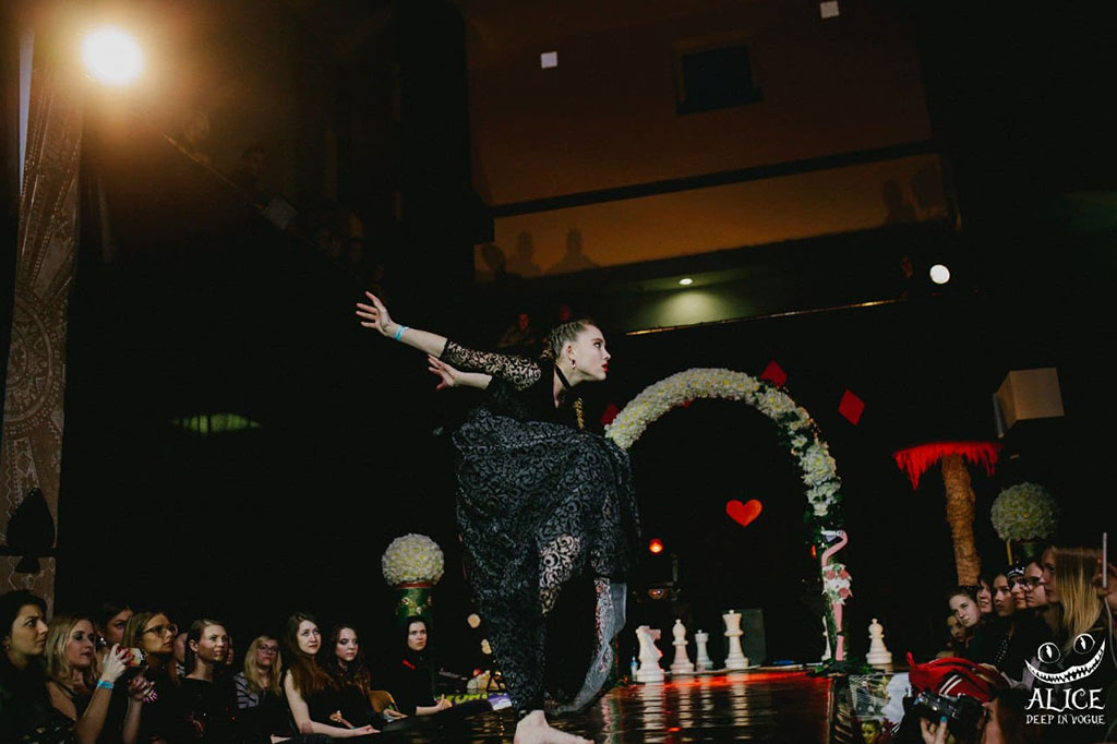 Саша Киселева - Deep in Vogue